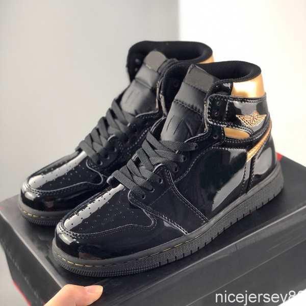 Box 2020 NUEVO NUEVO METALLICO NEGRO METALICO High OG Hombre Zapatos de baloncesto Jumpman 1 1S UNC Obsidian Tie Dye Deportes Entrenadores de Deportes Outdoor des Chaussures