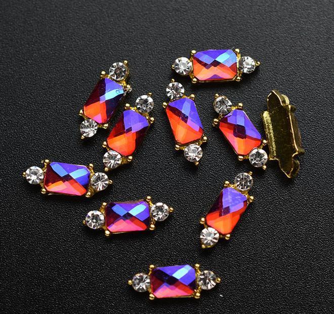 Nails Décorations Stones Hinestones Charme Décorations 3D Accessoires Strass Nail Diamants Or 10pcs Art Bijoux Argent Strass SQCPR