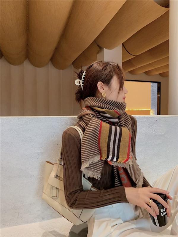 2020 Fashion Streifen Stil Herbst Winter weiblichen warmen Wollschal elegant Persönlichkeit Schals kann Großhandel