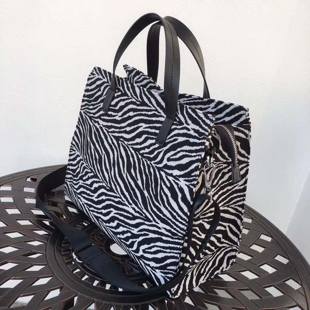 SSW007 Wholesale Backpack Fashion Men Women Backpack Travel Bags Stylish Bookbag Shoulder BagsBack pack 468 HBP 40006