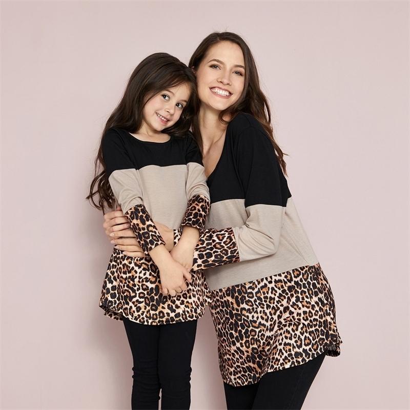 Patpat Nueva llegada otoño e invierno elegante leopardo color coincidencia de manga larga para mamá y yo Familia Look Tops 201104