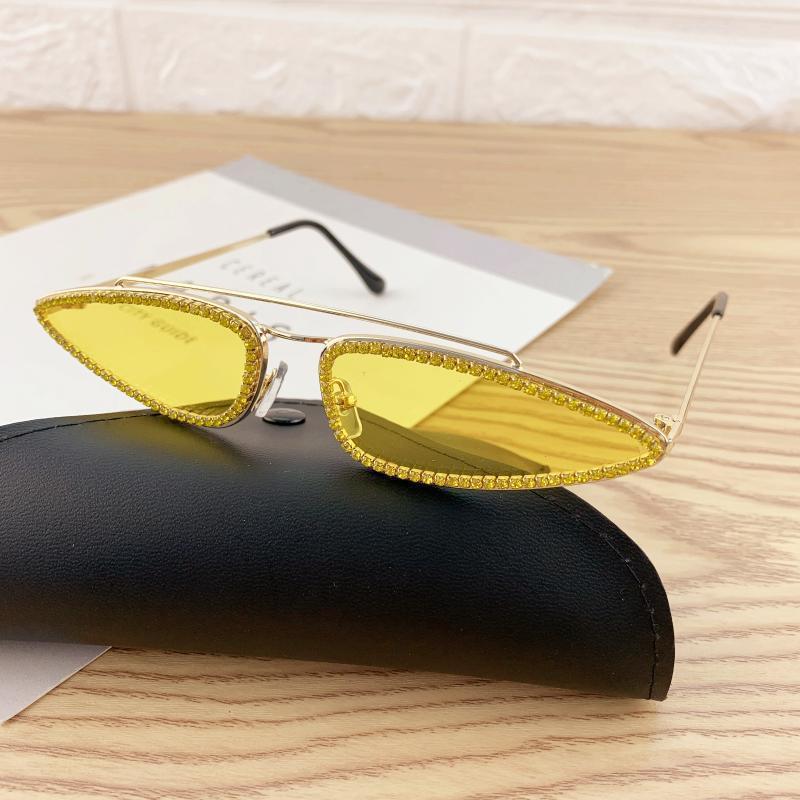 FML1 NUEVO Triángulo Diamante Gafas de sol Rhinestone Sun Fashion Ladies Retro 2020 Sombras Gafas Hombres Marco de metal Mujeres KDNMB