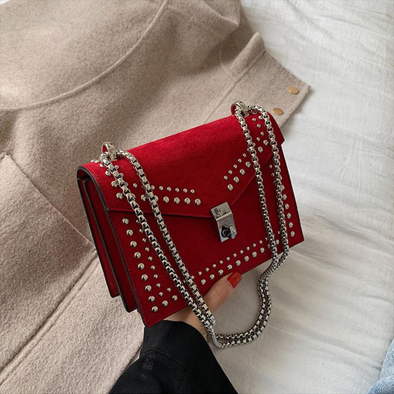 New Rivet Lock-Designer Umhängetaschen für Frauen Handtaschen Reise Red Schultertasche Messenger Bag Damen Kleine Klappen 2019