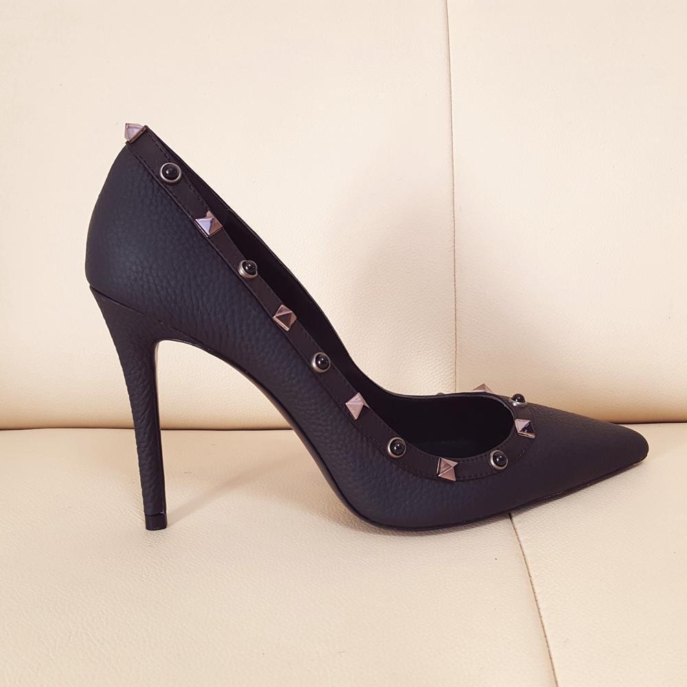 Бесплатная Доставка Топ-Качество Женщины Сексуальная Натуральная Кожа Высокие каблуки Замещенные Заклепки Свадебные Обувь Тонкие каблуки Одиночные Обувь Леди 10см Вечеринки Насосы