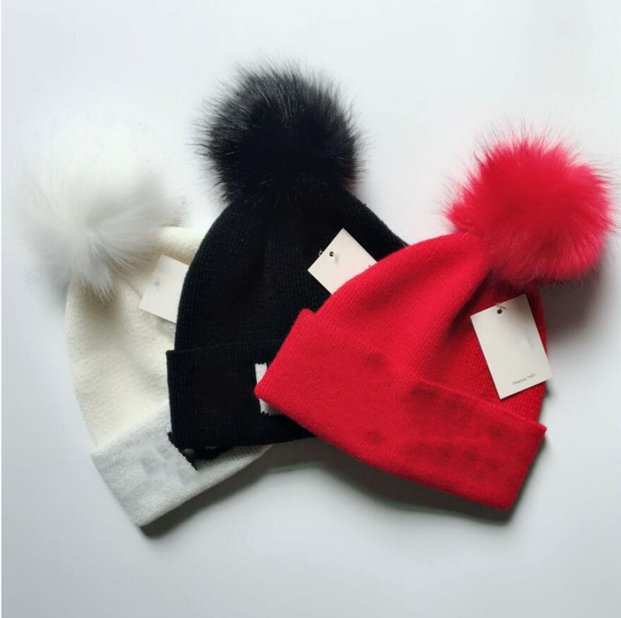 sombrero de invierno Marca Mujer Piel Poms del sombrero del invierno de las mujeres muchacha para 's sombreros de punto grueso Cap Mujeres Skullies Gorros
