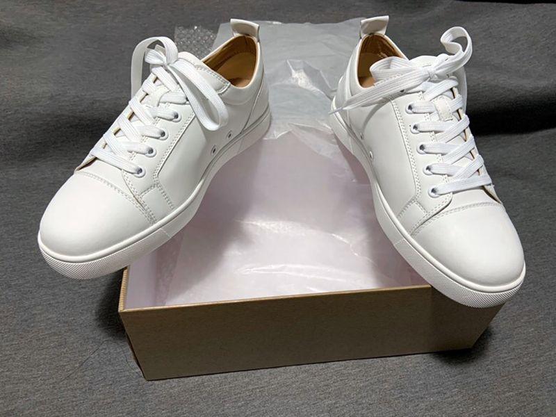 Top Herren Red Bottoms Schuhe Großhandel Günstige Echtleder 50% Rabatt auf Komfortable Lässige Mode Frauen Weiße Paare Ace Luxus Sneakers Große Größe 47