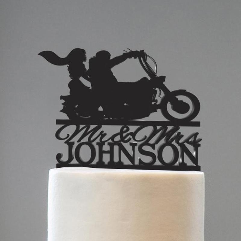 السيد والسيدة كعكة مع اسم العائلة كعكة ممتاز زوجين مع الدراجات النارية الزفاف شخصية