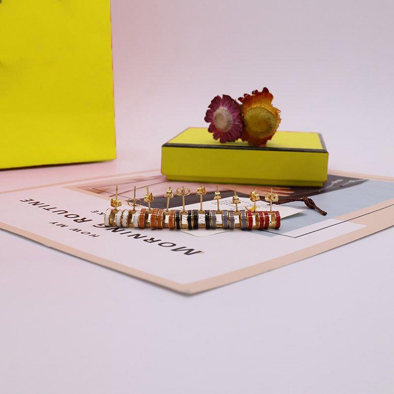 Orecchini ad orecchini ad orecchini ad orecchini ad orecchini in acciaio per donna per donna 5 colori di alta qualità con scatola