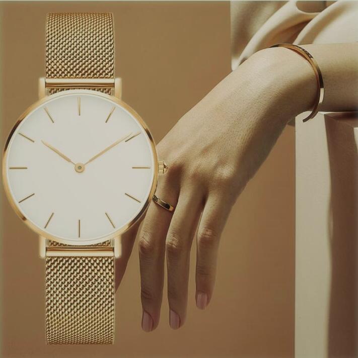 Wholesale Reloj de lujo de las mujeres de alta calidad 32 mm Simple con hielo de diseño Relojes de diseñador de cuarzo Movimiento Amantes Reloj de pulsera Reloj
