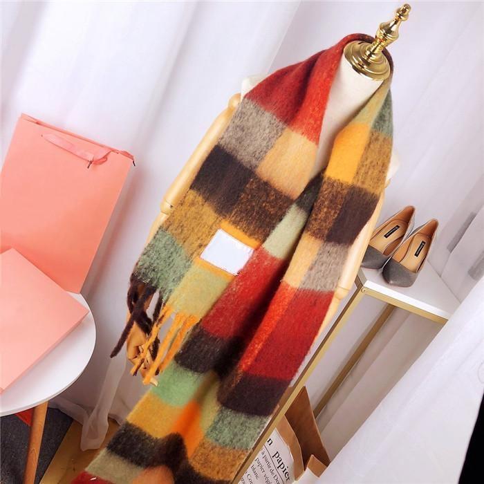 Alta calidad Classic 3 Color Plaid Bufanda a cuadros en estilo bohemio Patrón de letra Mujer Bufanda de lana Cashmere Bufanda Shawal Damas Cálidas Bufandas Sin Caja