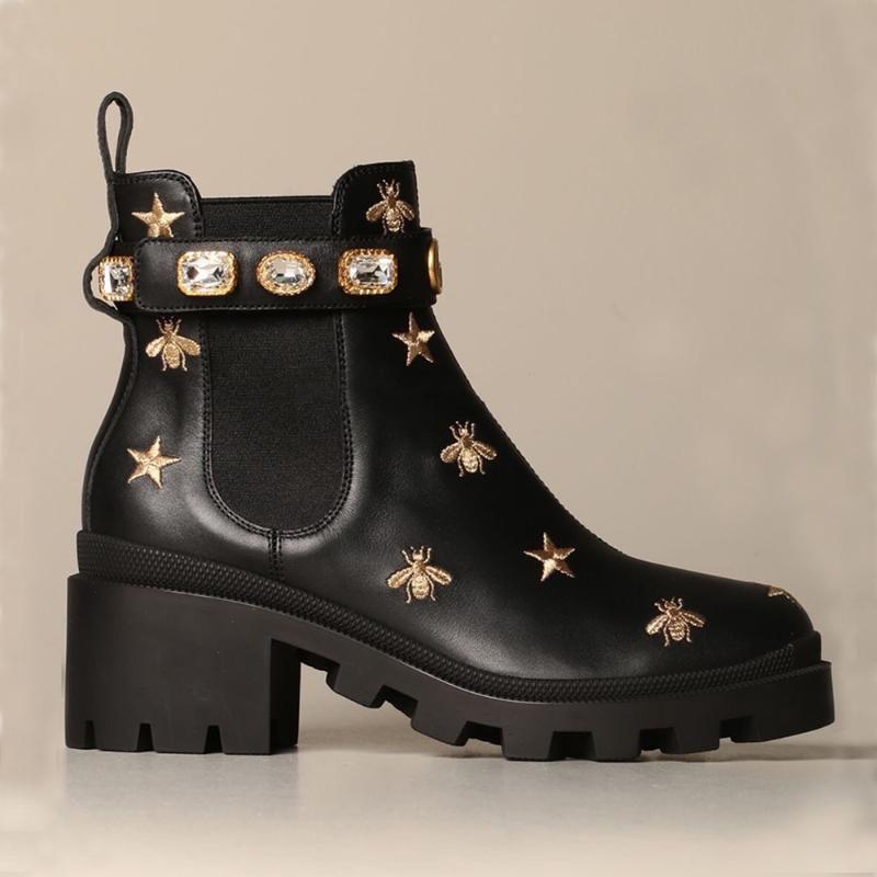 Kadın Yuvarlak Burun Gerçek Deri Rhinestones Kristal Elmas Bilek Boots nakış Arı Chunky Yüksek topuk ayakkabı Siyah Beyaz