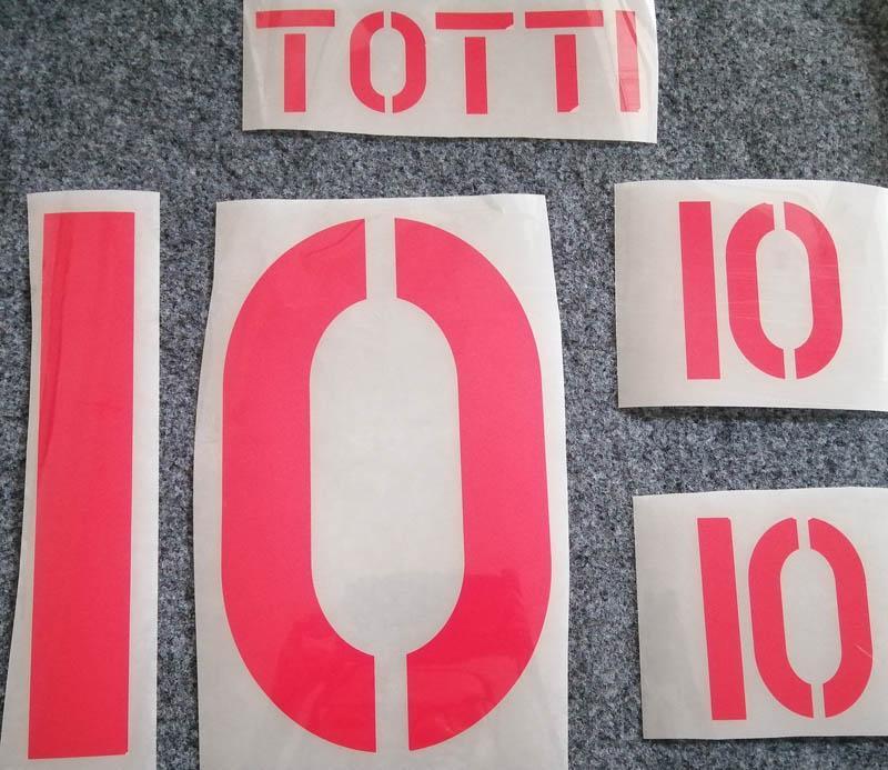 Retro Roma red impression de soccer # ensemble de noms de 10 lettres d'estampage du joueur de football TOTTI chaud imprimé des autocollants de football en plastique vintage namesets