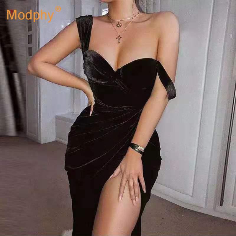 Günlük Elbiseler 2021 Sonbahar Moda Kadife kadın Elbise Seksi Kolsuz İnce Draping Spagetti Ünlü Akşam Parti Vestidos