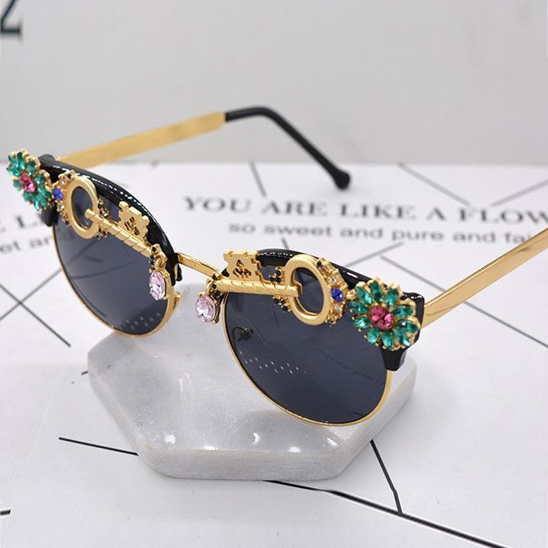 Rhinestone del cristal de las gafas de sol barroco sol de mujer de marca del verano del diseñador de lujo de las señoras para el verano Femenino