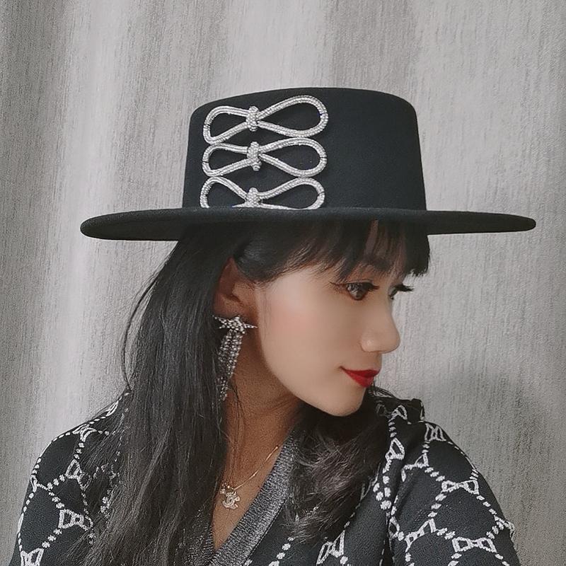 STINGY BRIM HATS Зимняя женская шерсть плоская кровавая церемония шляпа для женщин логотип алмазный лук черный
