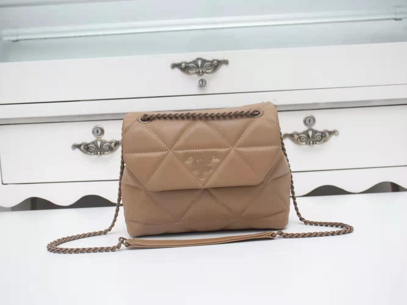 Strap Women Luxurys Bolsa de hombro Geninue Flap Cadena New Diamond Lattice Bag Bag Designers vendidos 2020 Hot Hollbag Cuero QXDBL