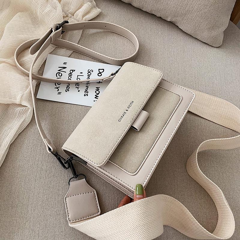 Moda Messenger Flap C1016 Çanta Çanta Tasarımcısı Geniş Kadınlar Pureses Crossbody Küçük Retro Süet Deri Omuz Çantası Kadın Kayış Bayan SCXAC