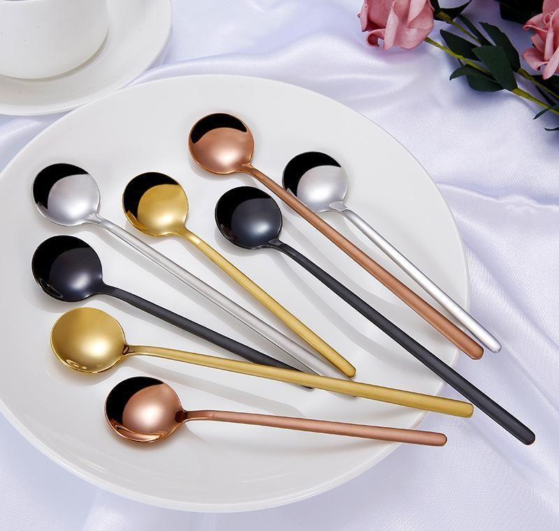 Colher de mistura de aço a oxidação colher de sobremesa requintado Spoons de sobremesa portátil resistente ao calor de chapeamento de titânio com estilos diferentes 4 38JL Jlllm