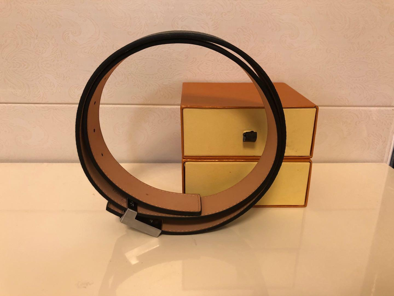 Cinturones de moda Cinturón para mujer Cinturones para hombre Cinturones negros de cuero Mujeres Snake Big Gold Hebilla Hombres Classic Casual Pearl Belt Cinture Envío gratis