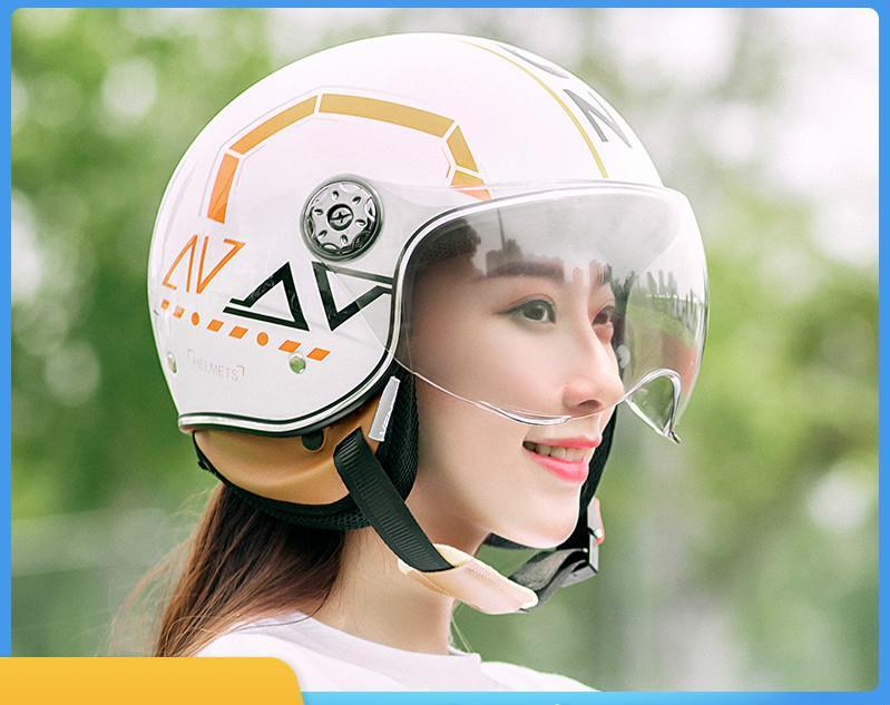 2020 Nuevos cascos de motocicleta eléctrica Casco de bicicleta eléctrica Cara abierta Hombres Mujeres Scooter de verano Motorbike Casco Moto Bike Invierno Casco