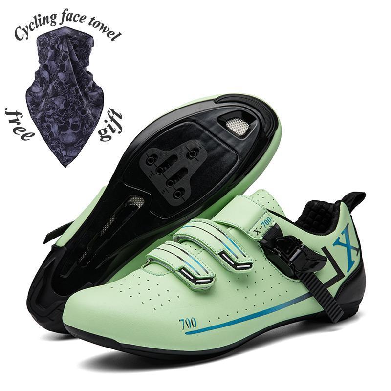 Zapatillas de ciclismo de hebilla de montaña de nuevos hombres, zapatos de ciclismo de carretera con cerradura y zapatos de suela de goma no bloqueados.