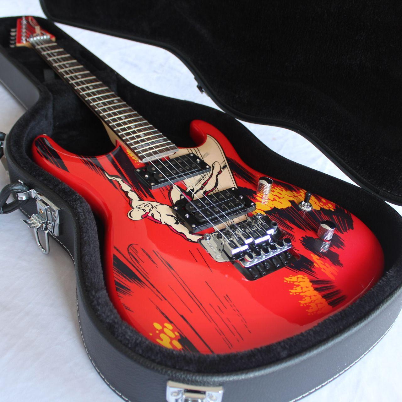 Stokta / Yıldönümü Sınırlı Sayıda Nadir Joe Satriani Gümüş Sörfçü Elektro Gitar / Çift Salıncak Köprüsü / Krom Donanım / Kılıfı