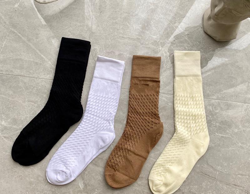 Yeni Tasarımcı Net Pamuk Çorap Çorap Çorap Kadınlar için Moda Bayanlar Kızlar Streetwear Mektup Çorap Çorap Drop Shipping
