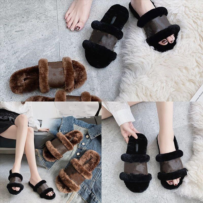 7keoE Moda Tasarımcısı Kadın Kürk Rahat Deri Loafer'lar Hakiki Tasarımcı Terlik Katır Ayakkabı Kadınlar Beyaz Yüksek Kalite Siyah Metal Zincir