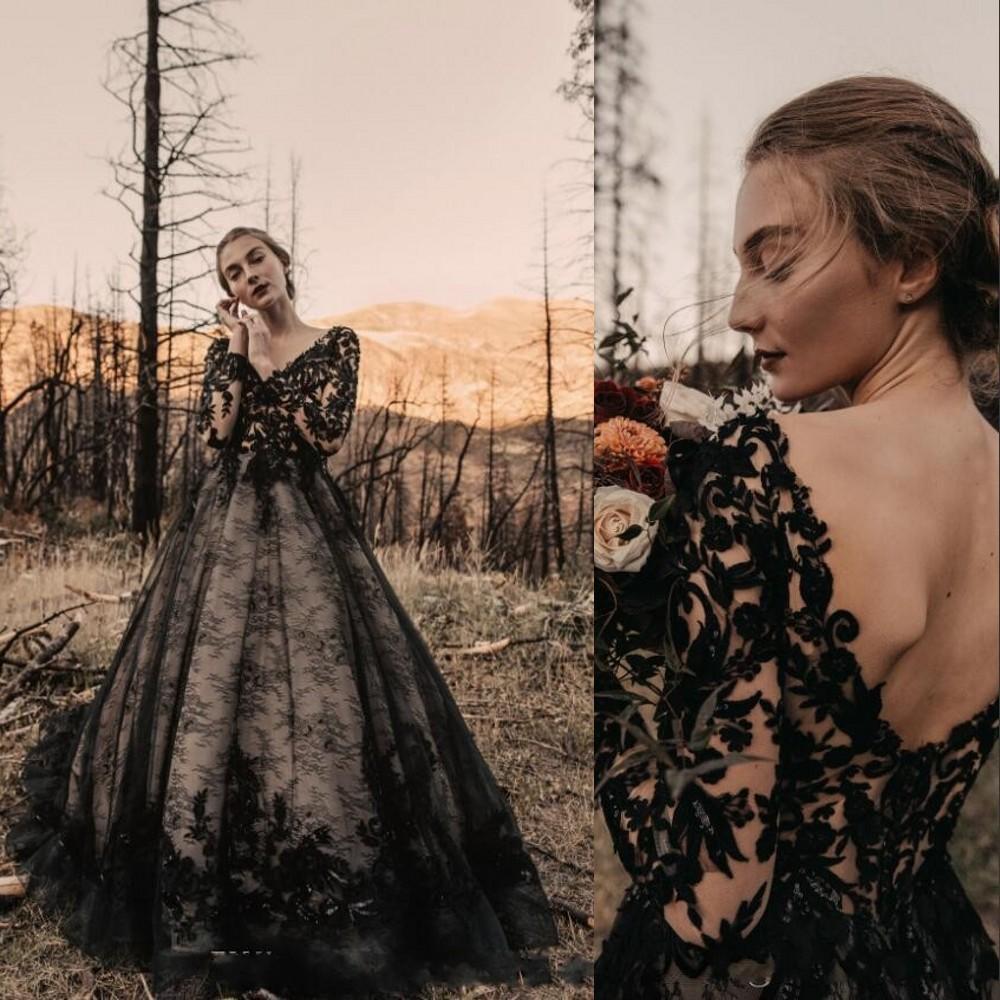 2021 Gothic Black Vintage Wedding Dresses A Line V Neck Lace Appliques Tulle Illusion Open Back Sweep Train Plus Size Formal Bridal Gowns