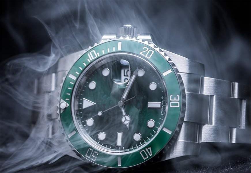 N 2836 hareketi V8 erkekleri saatler 116610 otomatik seyretmek 904L birimleri / saatler saatler mens üreten tam / yeşil / siyah / mavi