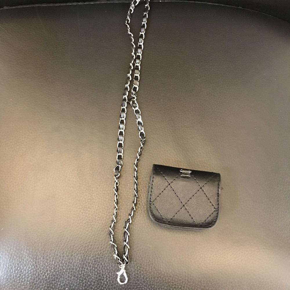 Mini-Gehäuse Kleiner Größe PU-Stepp-Diamant-Gehäuse Vintage-Art-Kopfhörer-Aufbewahrungstasche schwarze süße Kettenbeutel-Kosmetik-Hülle mit Kasten