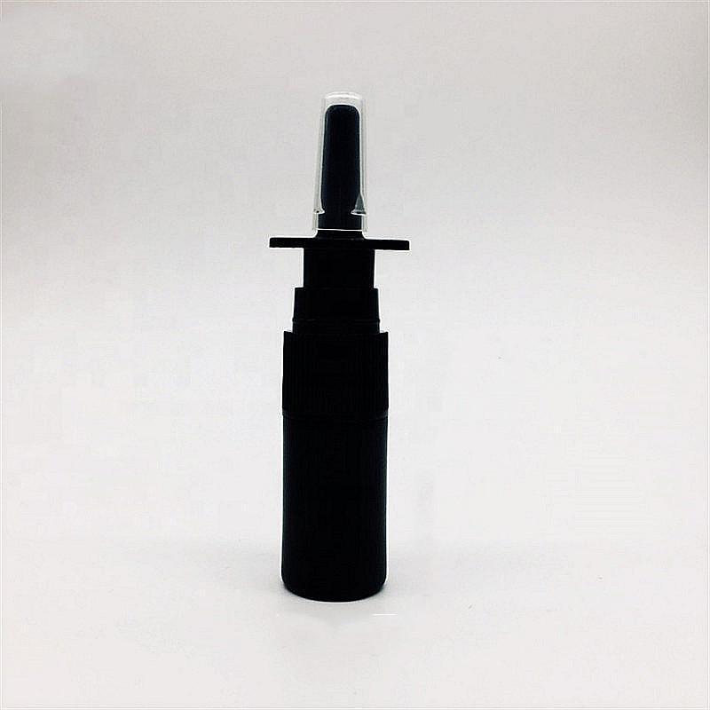 Бесплатный корабль 4 шт. 10 мл / 0.34 унций HDPE черная носовая бутылка с носовым распылителем насос Портативные пустые распылители косметики
