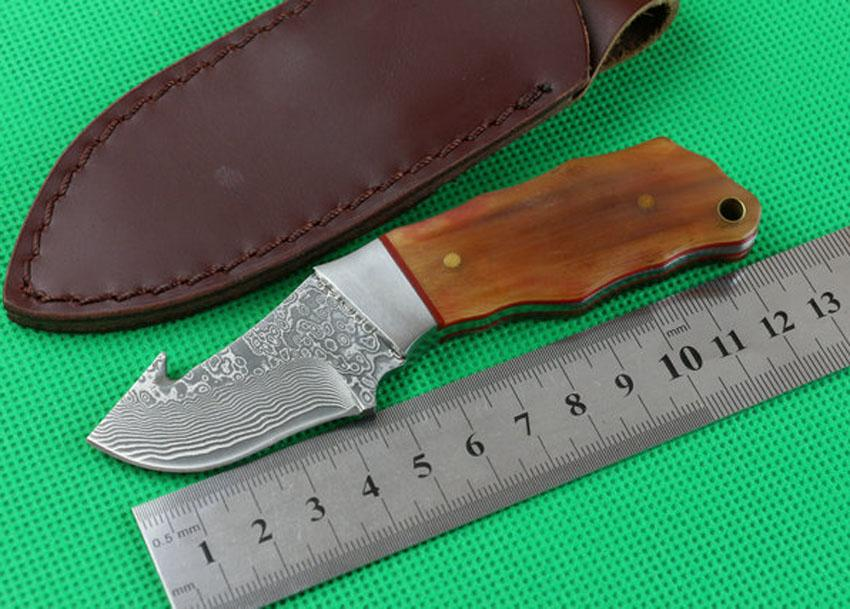 High Quality 5.1 Inch Damascus Fixed Blade Straight Knife VG10 Damascuss Steel Blades Cow Horn Handle EDC Knives With Leather Sheath