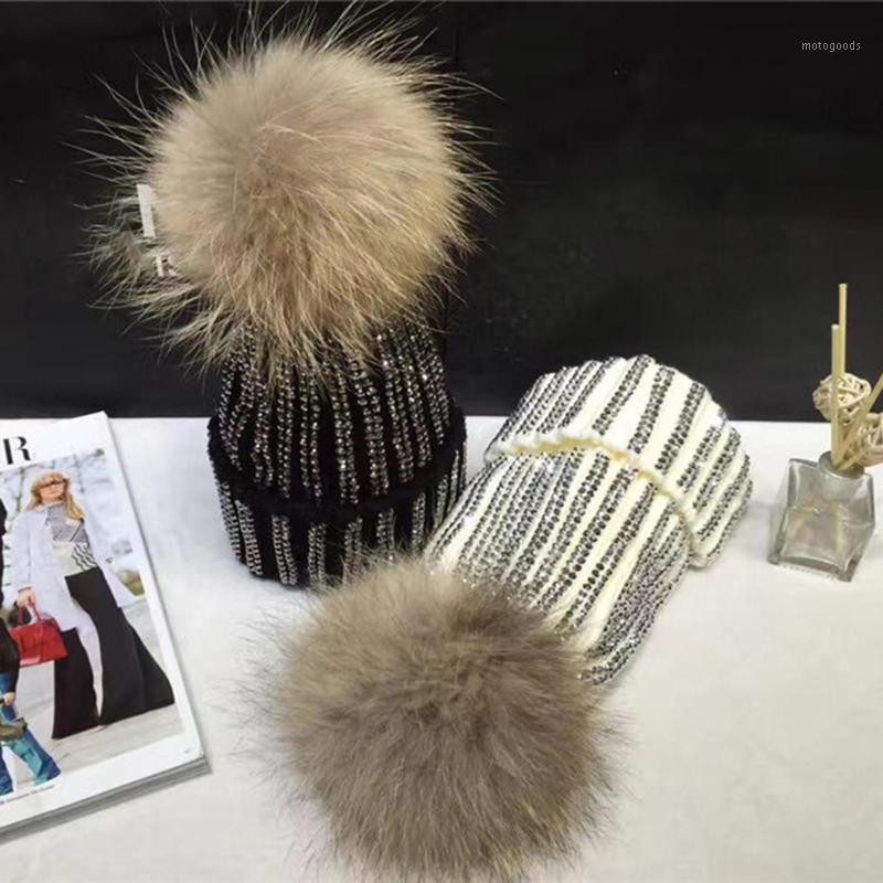 Mujeres Rhinestone Pom Pom Pom Poms Hilado Hilo de punto Sombrero Skullies Sombrero de invierno para las mujeres Gorros Gorros Nieve de Navidad1
