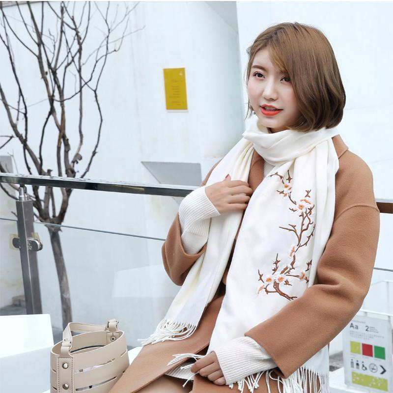 Scarves National Women Hand-Embroidered Floral Long Scarfs Shawls Fashion Soft Cashmere Autumn Winter Lady Scarf Ladies Wraps1