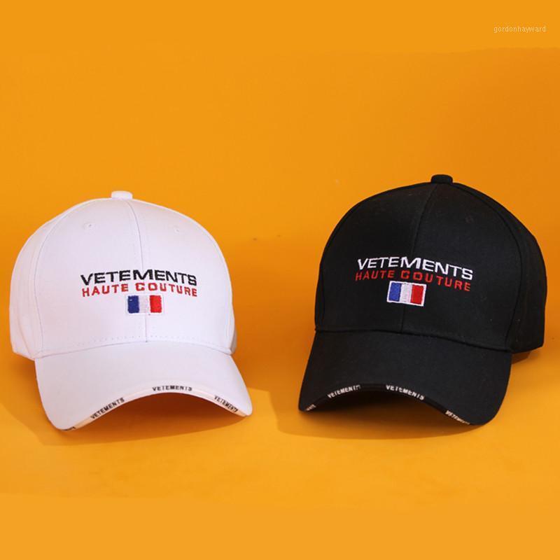 Visiere Vetements Schwarz Weiß blau Rot 4 Farben Hüte Hohe Qualität Brief Flag Frankreich Stickereikappe VTM Unisex1