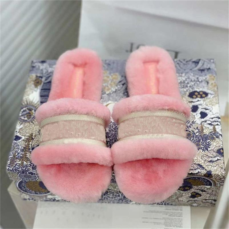 Mulheres furry Chinelos Ladies Verão bonito Plush Macio Sandals Inverno Quente Shoes Mulher Flats Slides Feminino Casual 2021 Casa Sapatos de interior