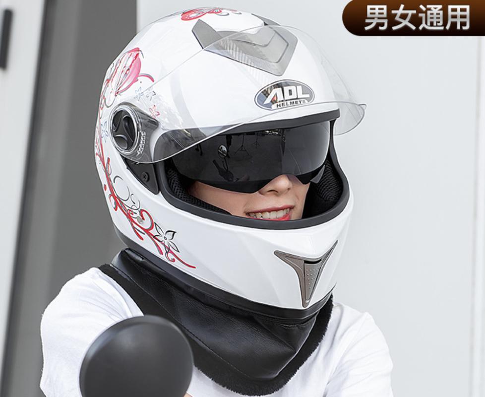 Casco de motocicleta de cara completa Forro de lavabo con doble lente con estilo Casco de carreras de lanzamiento rápido Casco M L Moto Dot Aprobado Hombre