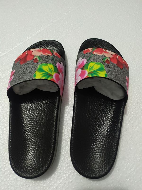 Top Frauen Sandalen Mode Schuhe Klassische Slide Sommer Mode Weit flach Slippery Sandalen Slipper Flip Flop Größe 35-45 Blumenkasten