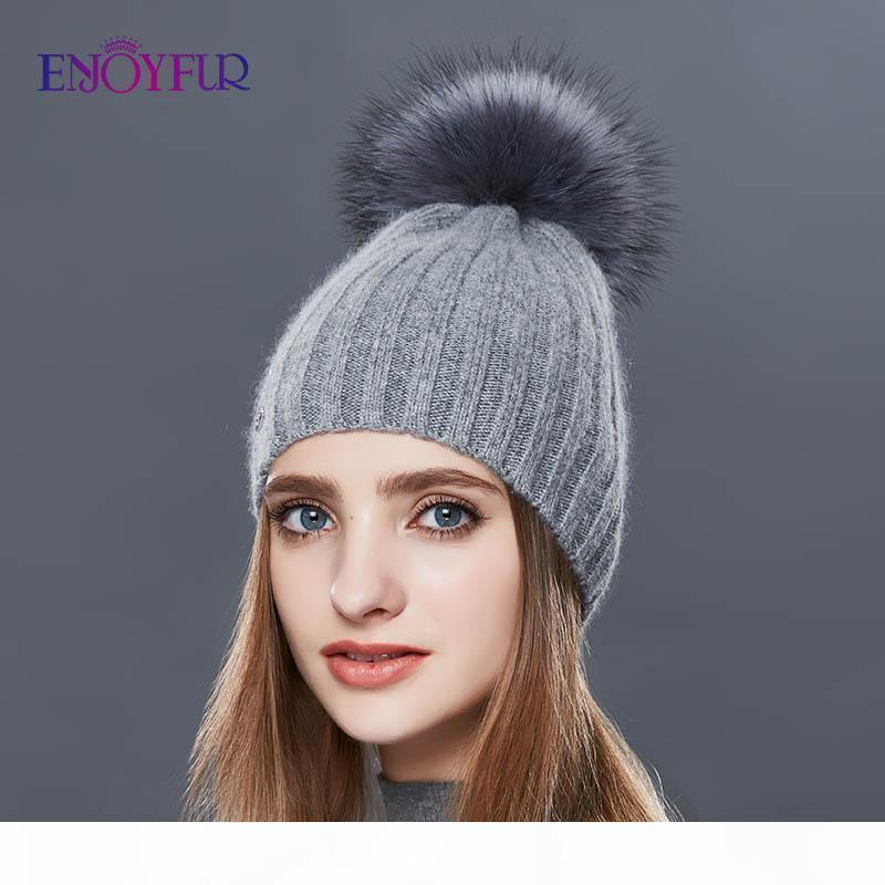ENJOYFUR vertikale Streifen-Winter-Hüte für Frauen Kaschmir-Strick warmen Hut Weiblichen realen Pelz Pom Pom Autumn Fashion Beanie