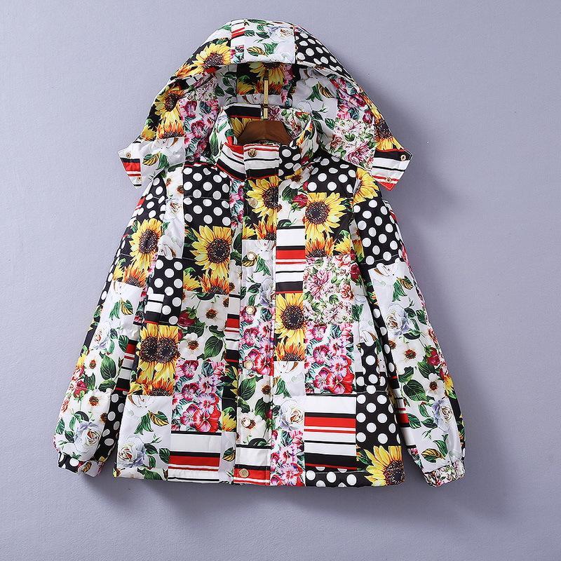 유럽과 미국의 여성 의류 2020 겨울 새로운 스타일의 다운 재킷 긴 소매 후드 국화 프린트 패션 따뜻한