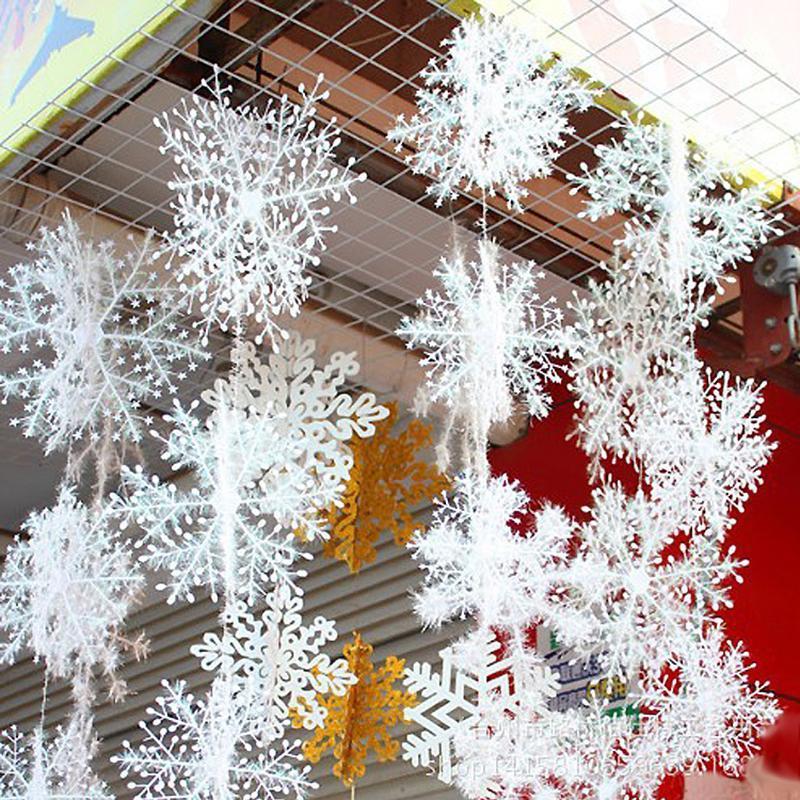 30pcs / lot nouvelle arrivée 11cm de Noël Ornement d'arbre de Noël de flocon de neige en plastique blanc fenêtre Décorations pour la maison
