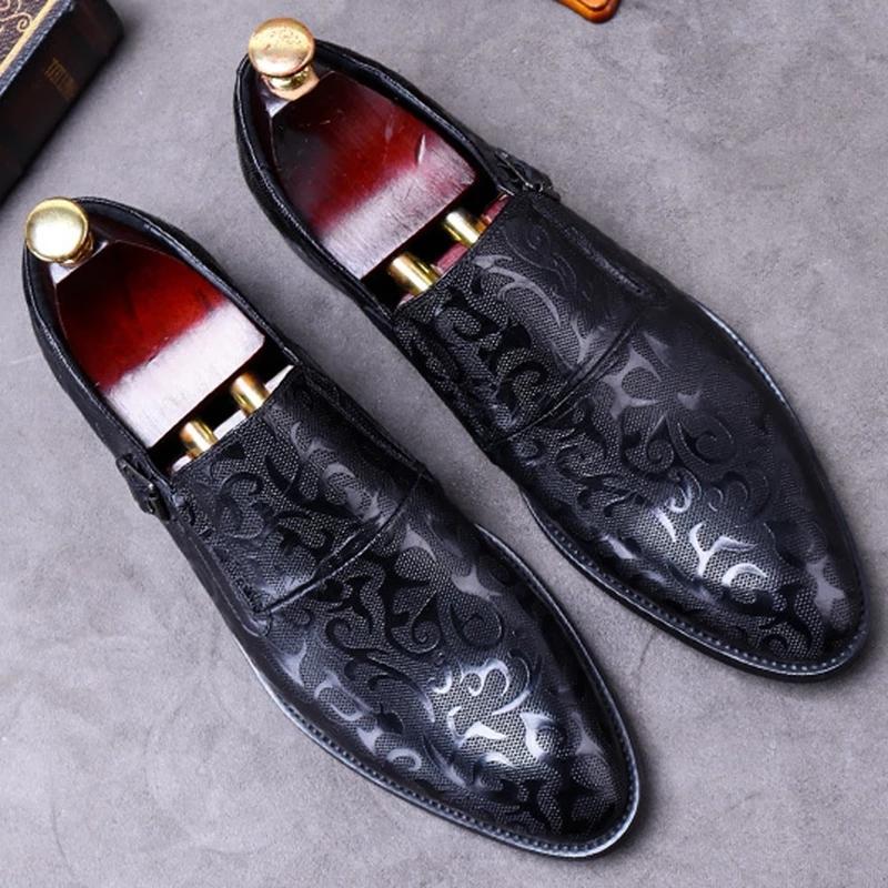 Nouvelle arrivée Pointu Slip Toe sur l'homme Chaussures confortables en cuir véritable bureau Mocassins Motif Moine Bracelet Flats Hommes