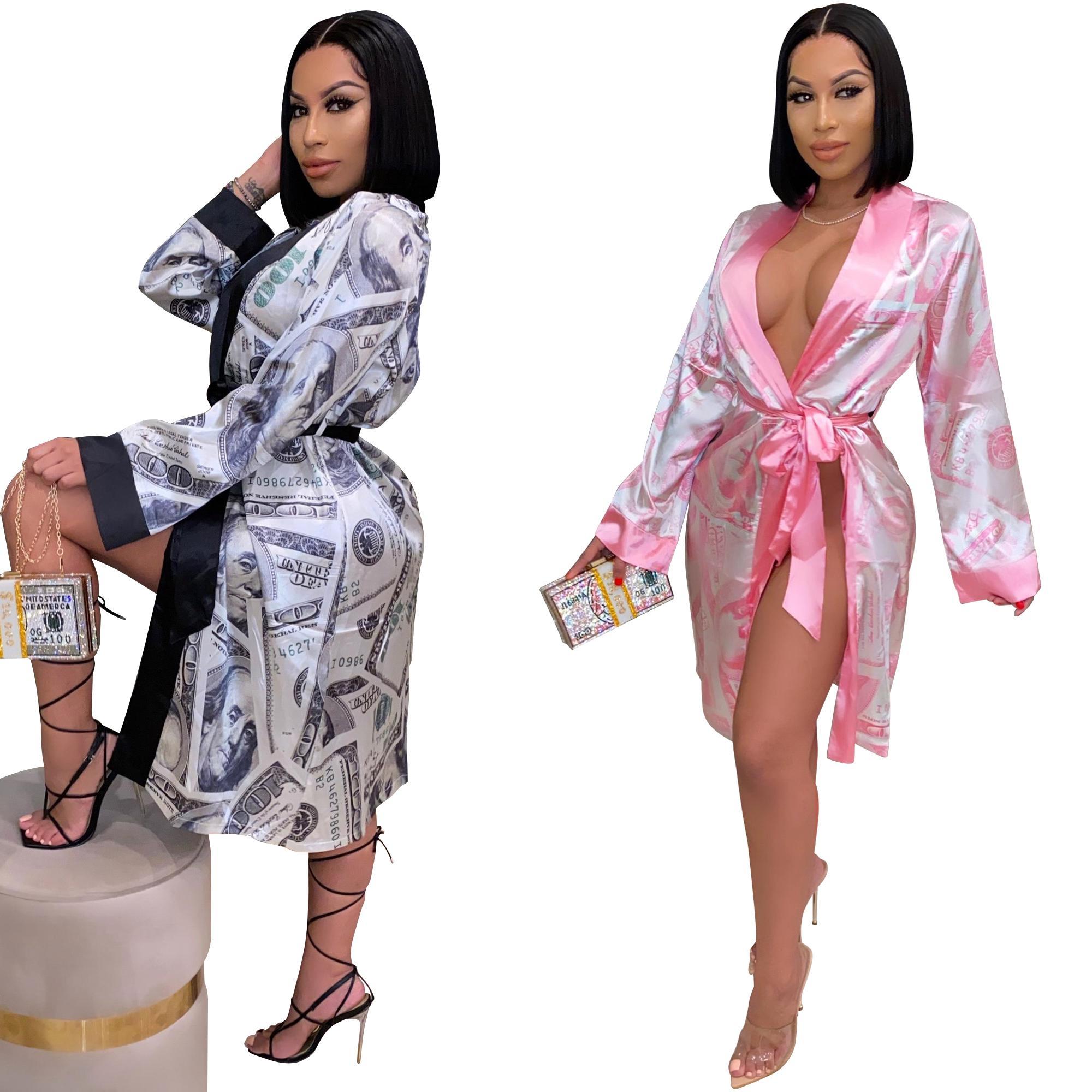 2021 Pyjamas Femmes Mode Dollar Modèle imprimé Cardigan Silk Cardigan Sex Home Service à domicile Longue peignoir Nombre de peignoirs