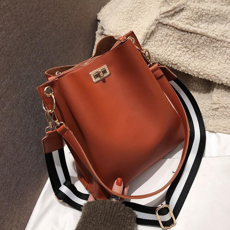 Большие сумки C1016 сумка дизайнер женские кожаные полосатые ремни плечо мессенджеры роскошные кошельки Crossbody широкая повседневная леди PU ведра Kloi