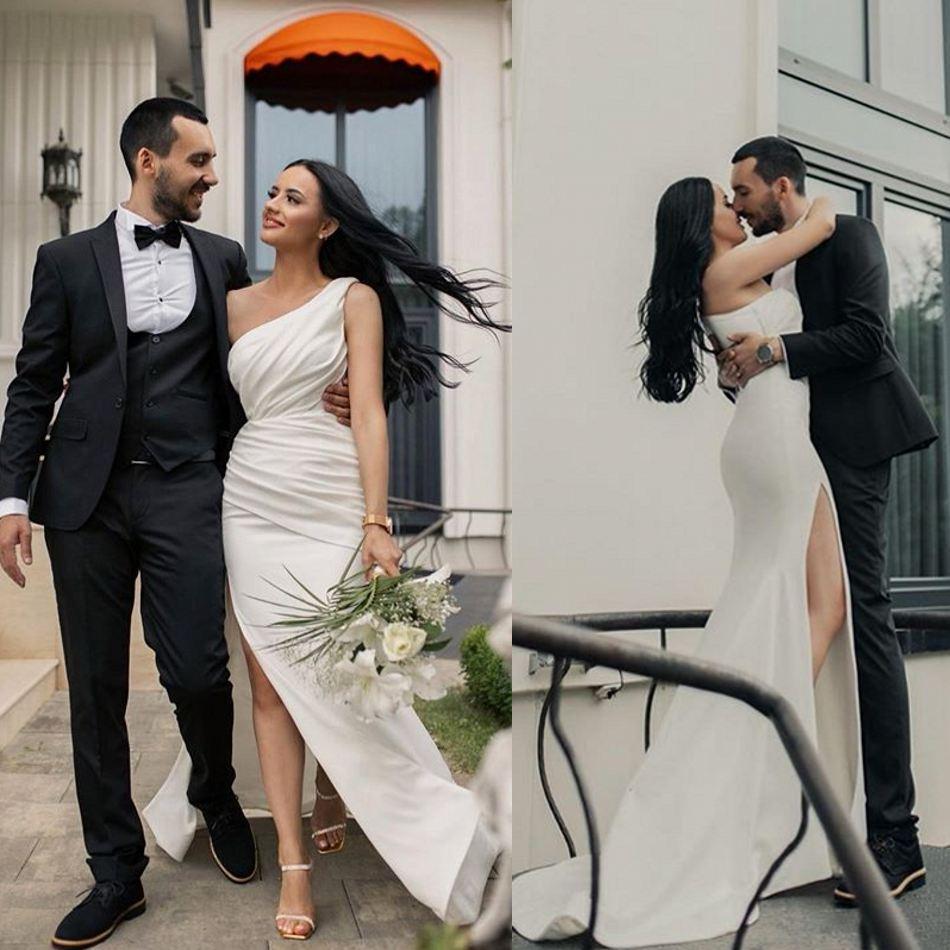 Урожай Элегантный одно плечо Свадебные платья Side Split сатин Pleats Boho Свадебные платья Дешевые Robe De mariée