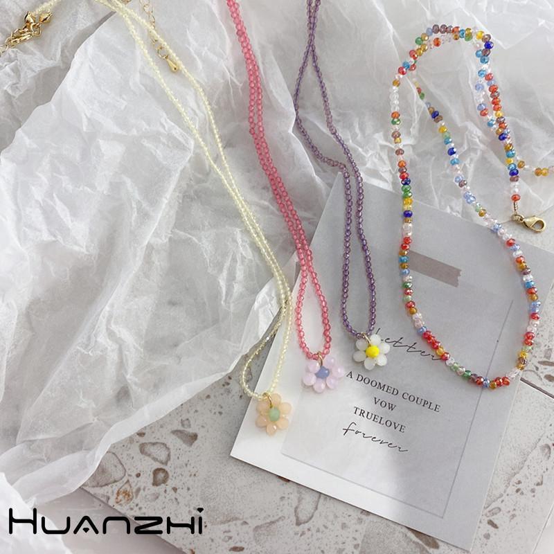 Huanzhi 2020 Neue Koreanische süße süße Farbe Acryl Schmetterling Blume Anhänger Perlen Halskette für Frauen Party Schmuck