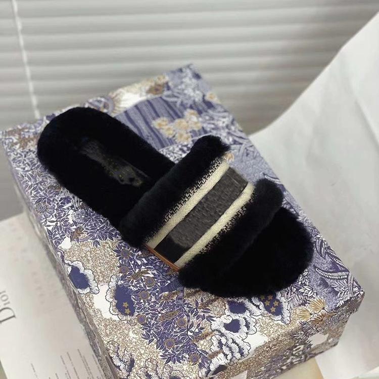 Plus size 35 - 40 mulheres da casa casa chinelos peludos mulheres Indoor senhoras sapatos bonito de pelúcia sandálias macios chinelos de pele ocasional