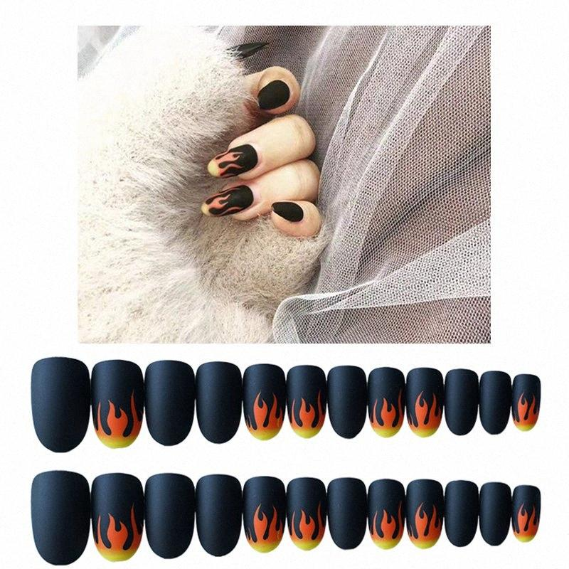 24pcs / Set Punk Fuoco falso Nails Matte unghie finte scuro nero pre-Nail design Breve copertura completa Teste Rotonde decorazione di punte VHSV #