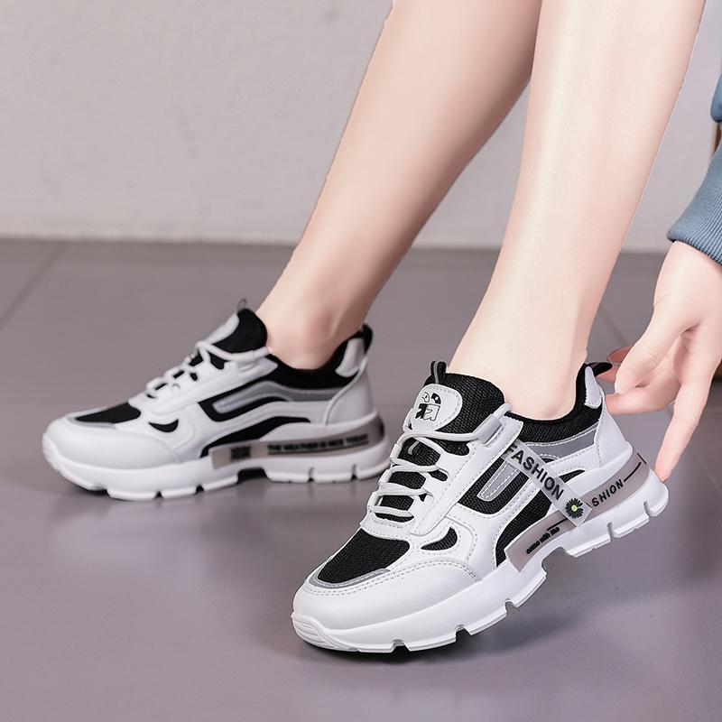 2021 Bottes Yürüyüş Ayakkabıları Kadın Koşu Ayakkabıları Tripe Üç Renkler Kadınlar Yürüyüş Ayakkabıları Eğitmenler Zapatos Trend Moda Chaussures 36-40